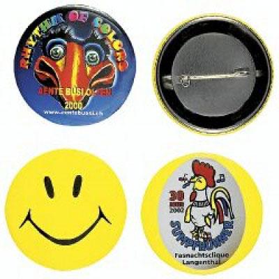 Buttons und Festabzeichen